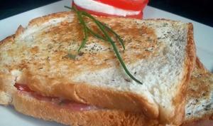 Croque Tomate Mozzarella et Jambon de Parme