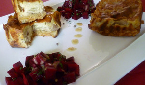 Cheesecake salé aux endives et poires caramélisées et noix sur base de petits sablés au comté
