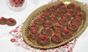 Petit four sans cuisson au chocolat et aux amandes
