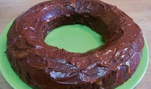 Gâteau compote de pomme au chocolat et son glaçage chocolat noir et caramel beurre salé