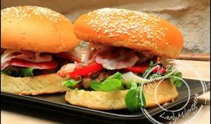 Burger italien au veau haché, pancetta et pecorino