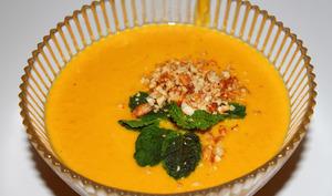 Velouté de carottes au curry vert