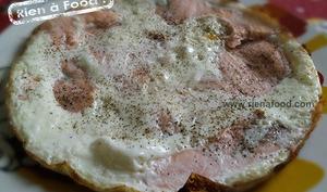 Omelette blanche au saumon fumé