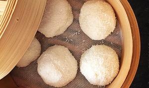 Perles de coco fourrées aux fruits