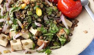 Salade de lentilles vertes au tofu, menthe et pistache