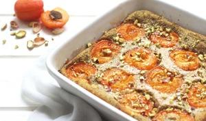 Clafoutis aux abricots, pistache et lait d'amande