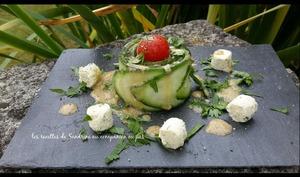 Fleurs de concombre, tomate cerise, boursin en vinaigrette