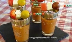 Gaspacho tomates, pastèque, fraises, pitacou tomate, émiettée de feta et basilic