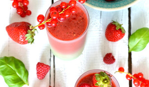 Smoothie fruits rouges et basilic