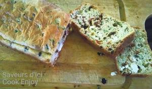 Cake salé courgette, feta, tomates confites, olives noires