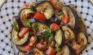 Salade fraîcheur d'aubergines grillées au cumin