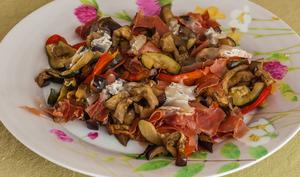 Légumes d'été rotis au four à l'italienne