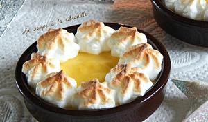 Crèmes à l'orange meringuées
