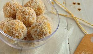 Truffes crues à l'amande, orange et noix de coco