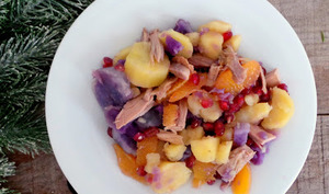 Salade de pommes de terre, chapon, orange et grenade