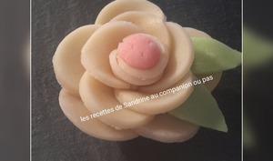 Rose en pâte d'amande facile à réaliser