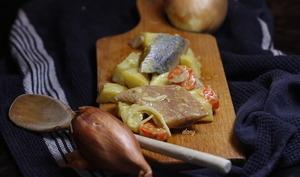 Salade tiède de harengs aux pommes de terre et carottes vinaigrette citron