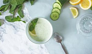 Soupe froide concombre, yaourt et menthe