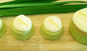Chiffon cake au pandan et crème citron-coco