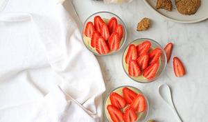 Parfaits quinoa, crème pâtissière et fraises Gariguettes