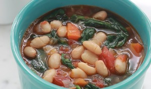 Soupe aux haricots blancs et épinards