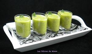 Velouté courgette menthe en petites verrines
