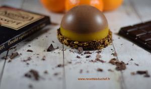 Dôme de mousse au chocolat noir sur gelée de clémentine