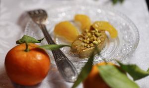 Escalopes de foie gras poêlées aux clémentines et aux pistaches