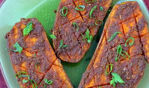 Patates douces rôties au four, en croûte d'épices