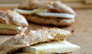 Minis sandwichs au brie