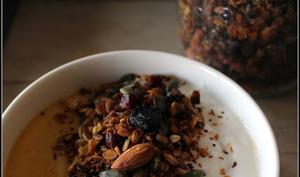 Granola maison et smoothie bowl