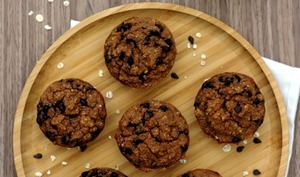 Muffins aux flocons d'avoine et chocolat sans sucre