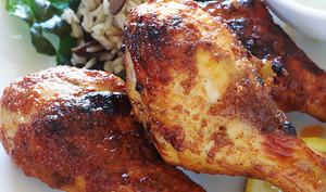 Pilons de poulet marinés, cuits au four ou à la poêle