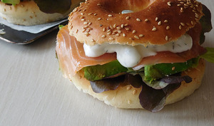 Bagels avocat et saumon