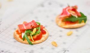 Mini torti-pizza au jambon de Parme