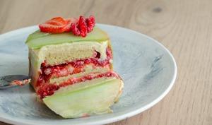 Entremets rhubarbe et fraises