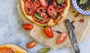 Tarte fine aux tomates et au basilic