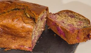 Gâteau du matin à la farine de seigle et aux framboises