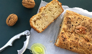 Cake poireaux, miel et noix