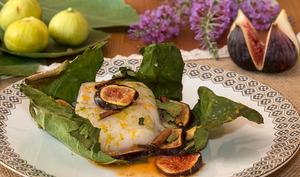 Dos de cabillaud cuit en feuille de figuier aux figues