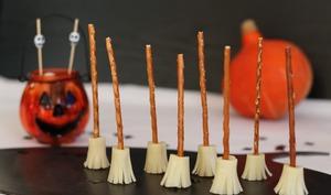 Balais de sorcières d'Halloween