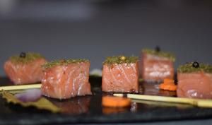 Cubes de saumon mariné à l'aneth