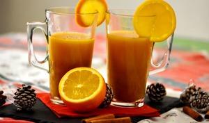 Jus d'orange chaud aux épices de Noël