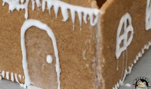 Glaçage royal pour maisons en pain d'épices