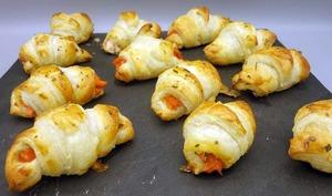 Mini croissants feuilletés au saumon