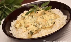 Dés de poulet, sauce crémeuse à la sauge, échalote et parmesan