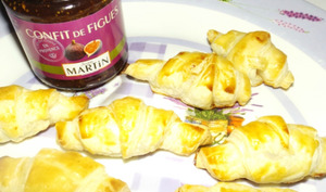 Croissants feuilletés au magret de canard et au confit de figue