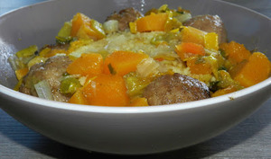 Couscous aux boulettes et ses légumes épicés