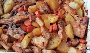 Côtelettes de porc aux légumes rôtis