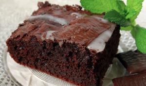 Gâteau moelleux au chocolat et glaçage After Eight©